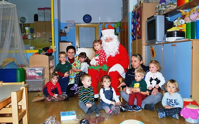 Visita Babbo Natale.Babbo Natale In Visita Alla Scuola Materna Il Mandracchio