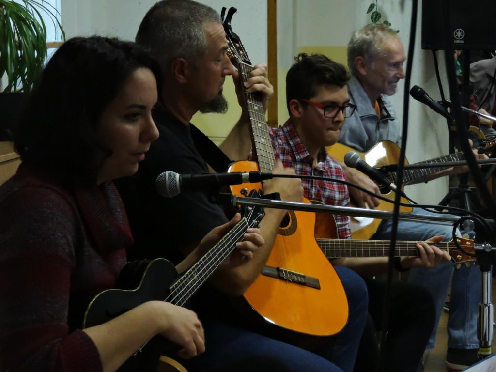 Dettaglio dei chitarristi de Primo Taio