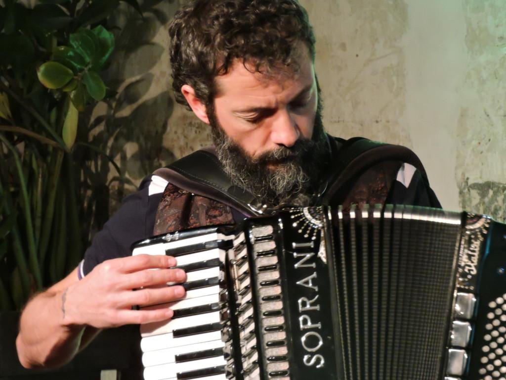 Simone Zacchini alla fisarmonica