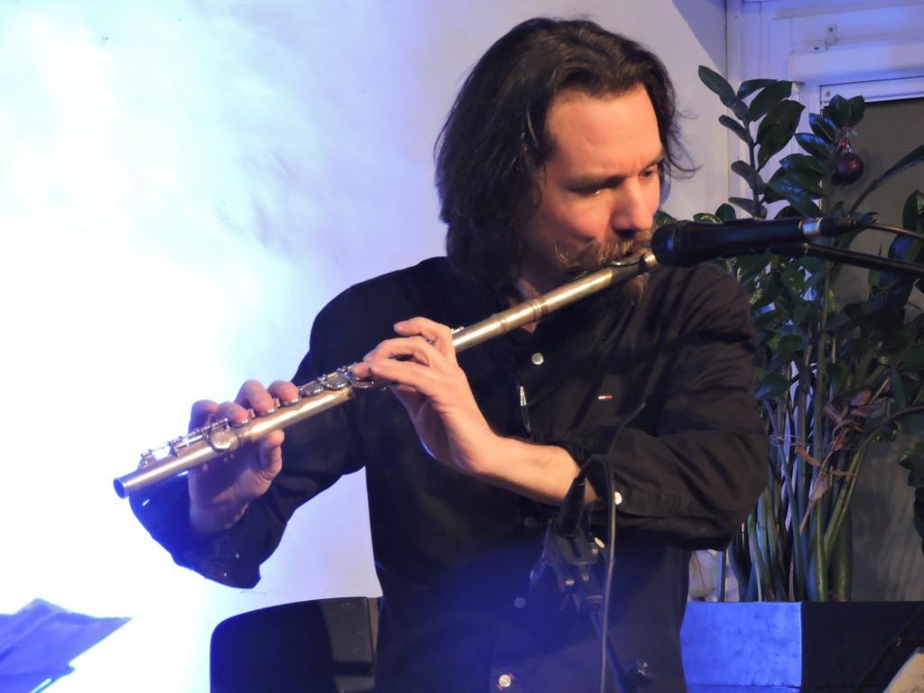 Vasko Atanovski con il suo flauto
