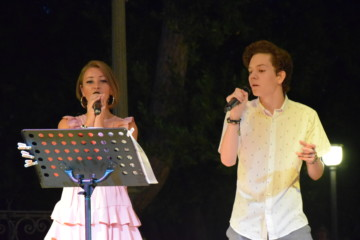 Cantiamo a un passo dal mare Evelin e Matija
