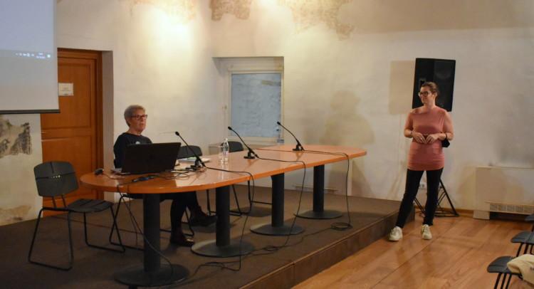 Presentazione Paliaga Daniela Paliaga e Agnese Babic